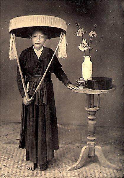 http://hinhxua.free.fr/autrefois/docteur-hocquard/page6/femme_annamite_coiffure_tonkinoise.jpg